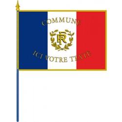 Drapeau français personnalisé sur hampe pour façade sans franges 100 x 150 cm