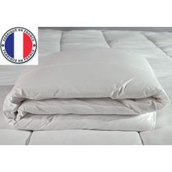 Lot de 4 couettes blanches lavables à 90 polycoton et fibres creuses 400 gr 240 x 260 cm