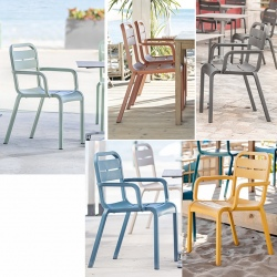 Lot de 16 fauteuils empilables Cannes