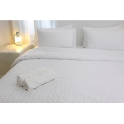 Housse de couette satin 125g blanc 275x280 cm