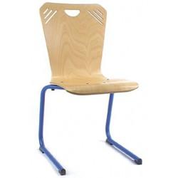 Chaise coque bois Soni appui sur table